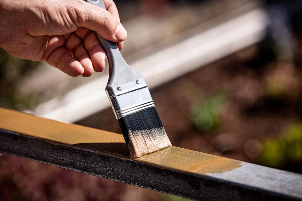 Verniciare il metallo con smalti ecofriendly